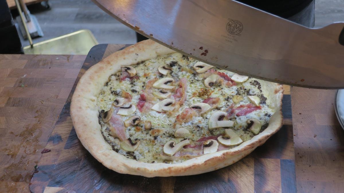 Küpsetasime pitsasid, naguprofid